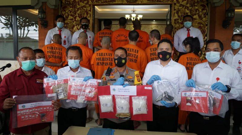Awal Tahun 2021 Satresnarkoba Polresta Denpasar Tangkap Bandar Narkoba Seberat 1,5 Kg